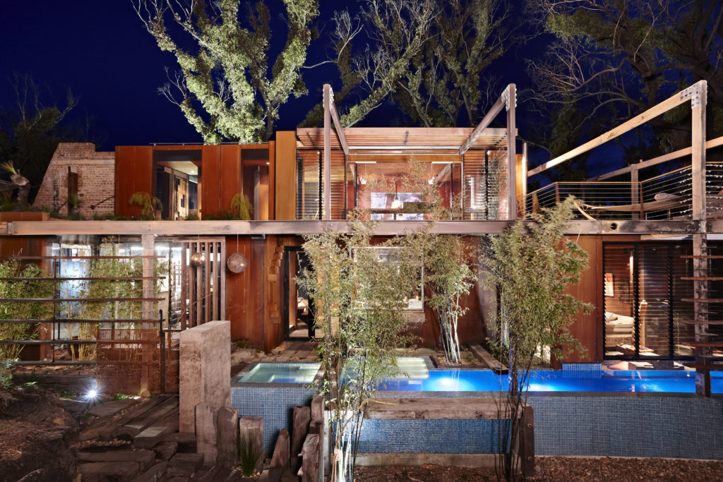 A home with a sense of place amid the bush regeneration