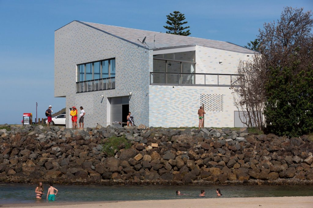 Kempsey Crescent Head Surf Life Saving Club by Neeson Murcutt Architects